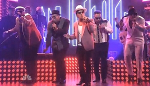 Bruno Mars (Ft) With Mark Ronson Saturday Night Live 2014
